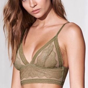 2 for $25 NWT VS Bralette